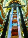 Venetië, Italië - Juni 06, 2015: De Pracht van het cruiseschip van het Overzees door Koninklijke Caraïbische Internationaal Stock Afbeeldingen