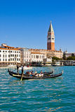 VENETIË, ITALIË - MAART 28.2015: Gondols in Campanile Di San Marco in Italië op 28 Maart, 2015 in Venetië, Italië Stock Foto's