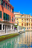 VENETIË, ITALIË - MAART 28.2015: Kanaal in Venetië, Italië Royalty-vrije Stock Foto's