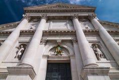 VENETIË, ITALIË - MEI 16, 2010: De voorgevel van Kerk van San Giorgio Maggiore Stock Afbeeldingen