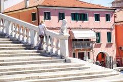 Venetië, Italië - September 17.2016: Één van de grootste en beroemde brug in Venetië is Rialto-Brug op Kanaal Grande Royalty-vrije Stock Fotografie