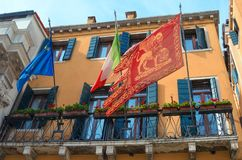 VENETIË ITALIË - 29 SEPTEMBER, 2017: De vlag van Venetië Stock Afbeelding