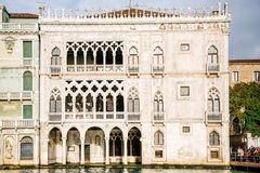 Venetië, Italië - Voorgevel van het Ca ` D ` Oro paleis stock afbeeldingen