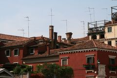 Venetië, mening op de daken stock afbeelding