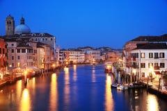Venetië in zonsonderganglicht stock afbeelding