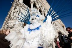VENETIË, ITALIË - FEBRUARI 16: Venetiaans masker Stock Fotografie