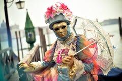 Venetiaans gemaskeerd model van Venetië Carnaval 2015 Royalty-vrije Stock Foto's