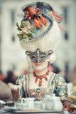 Venetiaans gemaskeerd model van Venetië Carnaval Stock Afbeelding
