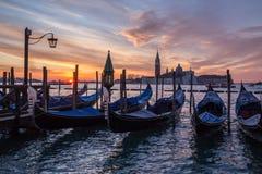 Venetiaanse gondels bij Piazza San Marco bij zonsopgang Royalty-vrije Stock Fotografie