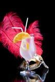 Venetiaanse masker en cocktail Royalty-vrije Stock Afbeeldingen