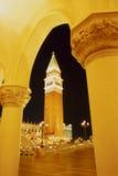 Venetiaanse Toren in Nacht Stock Afbeelding