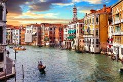 Venetiaanse zonsondergang Romantische reis in Venetië Groot Kanaal Italië stock foto's
