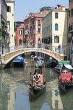 Venetian arkitekturVenedig Italien kanal royaltyfria foton