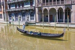Venetian fartyg Venedig Italien Mini Tiny för gondol royaltyfria foton