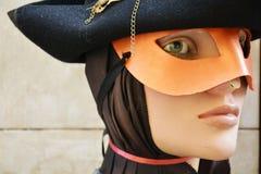 Venetian head skyltdocka med maskeringen Arkivbild
