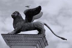 Venetian lejonskulptur i Venedig, Italien, San Marco arkivfoto