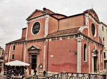 venetian liggande E royaltyfri bild