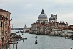 venetian liggande E arkivfoton