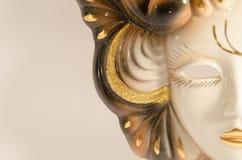 Venetian maskering för handgjord karneval som göras av keramiskt för porslin som isoleras över vit bakgrund Royaltyfria Bilder