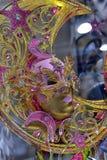 Venetian maskeringar som är till salu i souvenir, shoppar Fotografering för Bildbyråer
