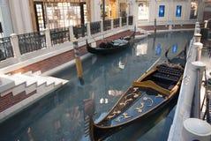 Venetian shopping i Las Vegas venetian gondol Royaltyfri Foto