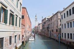 Venetian små gator Arkivfoto
