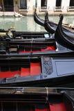 Venetianische Gondelboote Lizenzfreie Stockfotos