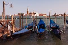 Venetianische Gondeln lizenzfreies stockbild
