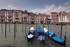 Venetianische Gondeln lizenzfreie stockfotografie
