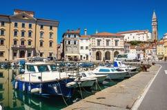 Venetianische Hafenstadt von Piran das adriatische Meer, Piran, Slowenien, Europa gegenüberstellend Stockbilder