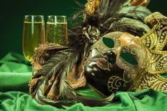 Venetianische Maske und Gläser Champagner Lizenzfreies Stockfoto