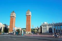 Venetianische Türme auf Plaza de Espana von Montjuic in Barcelona Lizenzfreies Stockbild