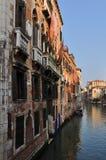 Venetianischer großartiger Kanal stockfotografie