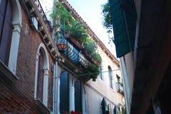 Venetianisches Haus mit Balkon Stockbilder