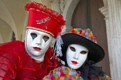 Venetianisches Kostüm nimmt an Karneval von Venedig teil. Lizenzfreie Stockfotos