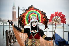 Venetianisches verdecktes Modell von der Venedig-Karnevals-Gondel 2015 Stockbilder