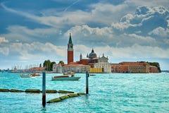 Veneza - Grand Canal e basílica Santa Maria della Salute Foto de Stock