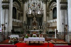 Veneza, igreja de Santa Lucia, interior fotografia de stock