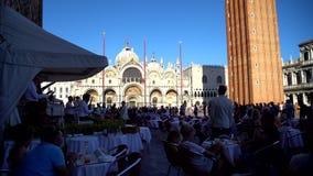 Veneza, Itália - 17 08 2018: Marque o quadrado San Marco do ` s, praça San que Marco é o quadrado principal de Veneza filme