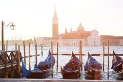 Veneza, Itália - vista cênico das gôndola e do canal grande fotografia de stock