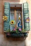 VENEZA, ITALY/EUROPE - 12 DE OUTUBRO: Janela em Veneza Itália em OC Imagens de Stock