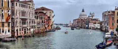 Venezia, гондолы на канале в Венеции Стоковое Изображение