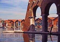 Venezia, Arsenale - porto interno con i vecchi bacini fotografia stock libera da diritti