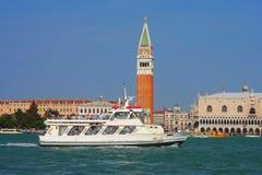 Venezia, battello da diporto Immagini Stock Libere da Diritti
