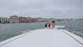 Venezia di camminata romantica archivi video