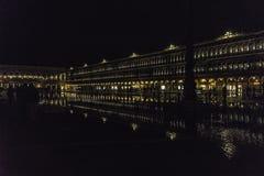 Venezia in Italia alla notte immagini stock libere da diritti
