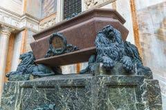 Venezia, Italia - 27 aprile 2017: La tomba di Daniele Manin su Th immagine stock