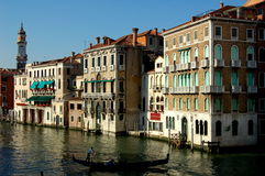 Venezia, Italia: Canal grande Palazzos fotografia stock libera da diritti