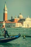 Venezia, Italia, il 9 agosto 2013: Gondola tradizionale sul canale grande Fotografie Stock