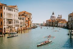 Venezia, Italia - 15 maggio 2016: Corsa della rematura nella laguna veneziana Fotografia Stock
